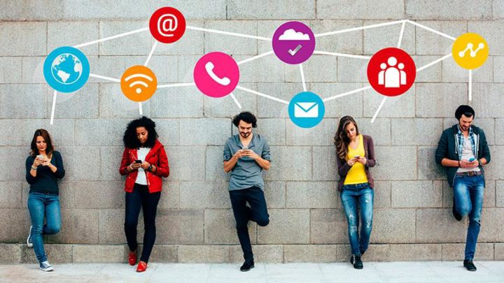 How to use social media to create sale opportunities for printing site